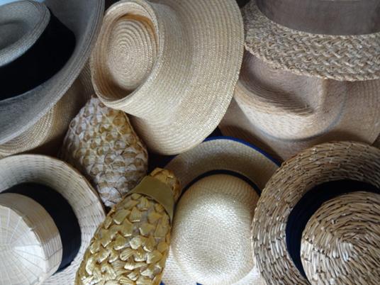 Hatten av! Hattar ur designern Lars Nilssons samling på Hallwylska